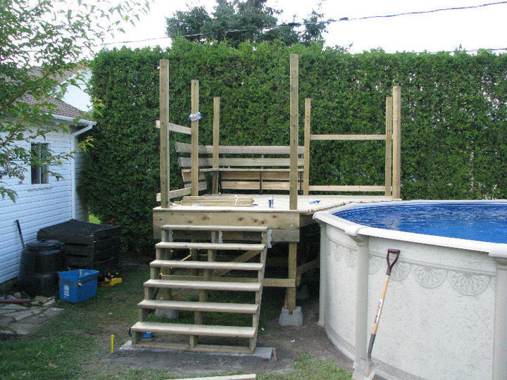 Exemple de deck piscine for Plan pour patio de piscine